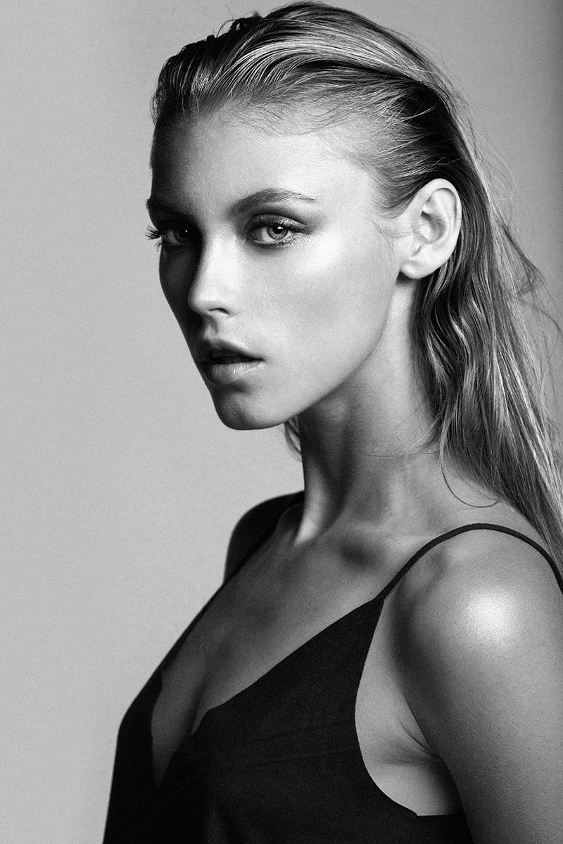Lucia JONOVA @ Silent Models